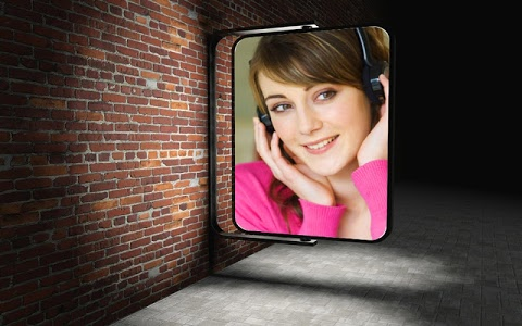 screenshot of Hoarding Photo Frames 2 version 2.0